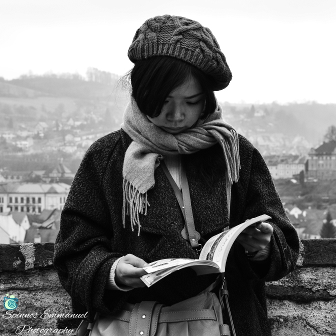 Τhe girl and the book..